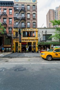 New York Queens Bar and Grill
