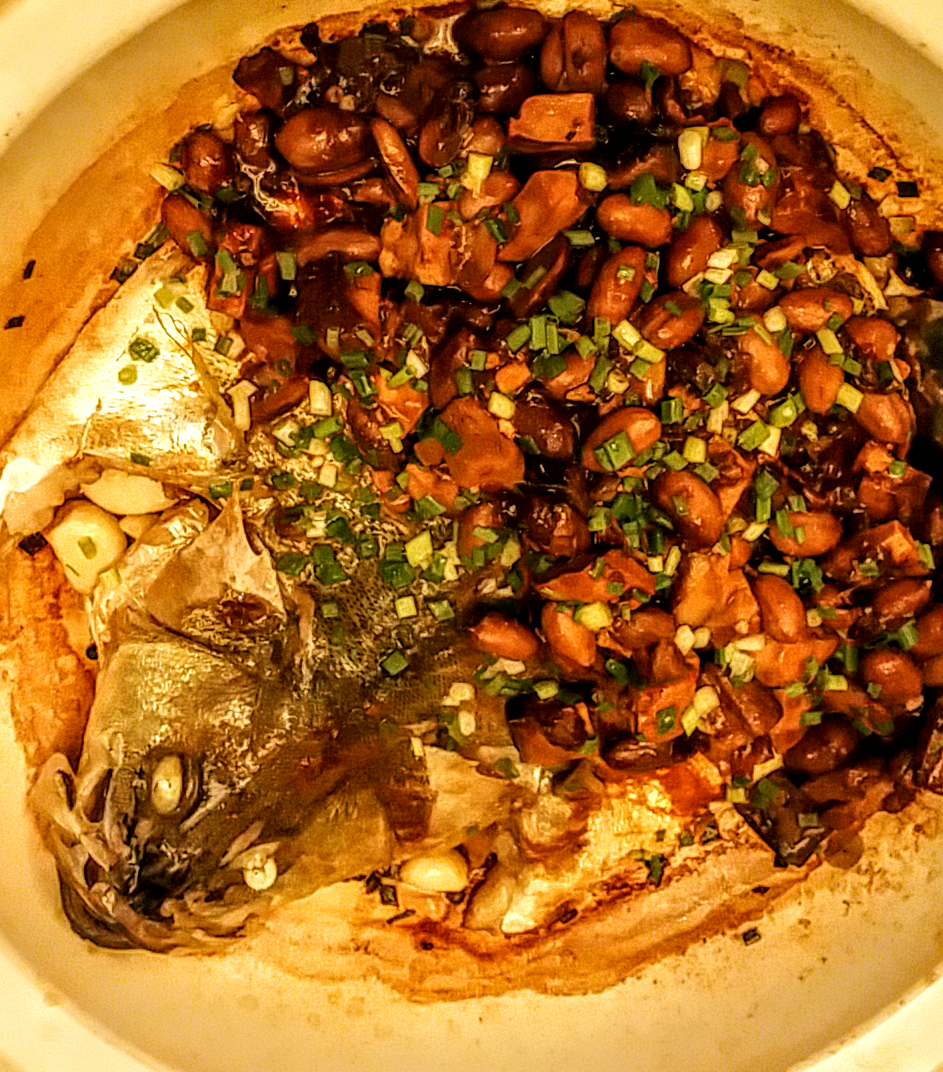 Fish with beans and meat